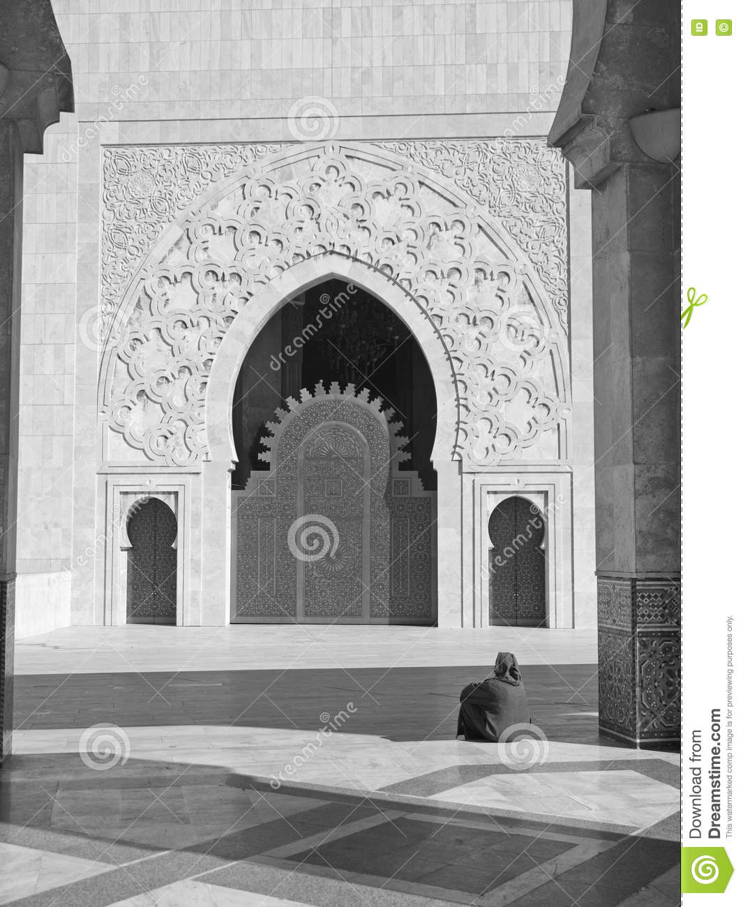 Moroccan woman mosque