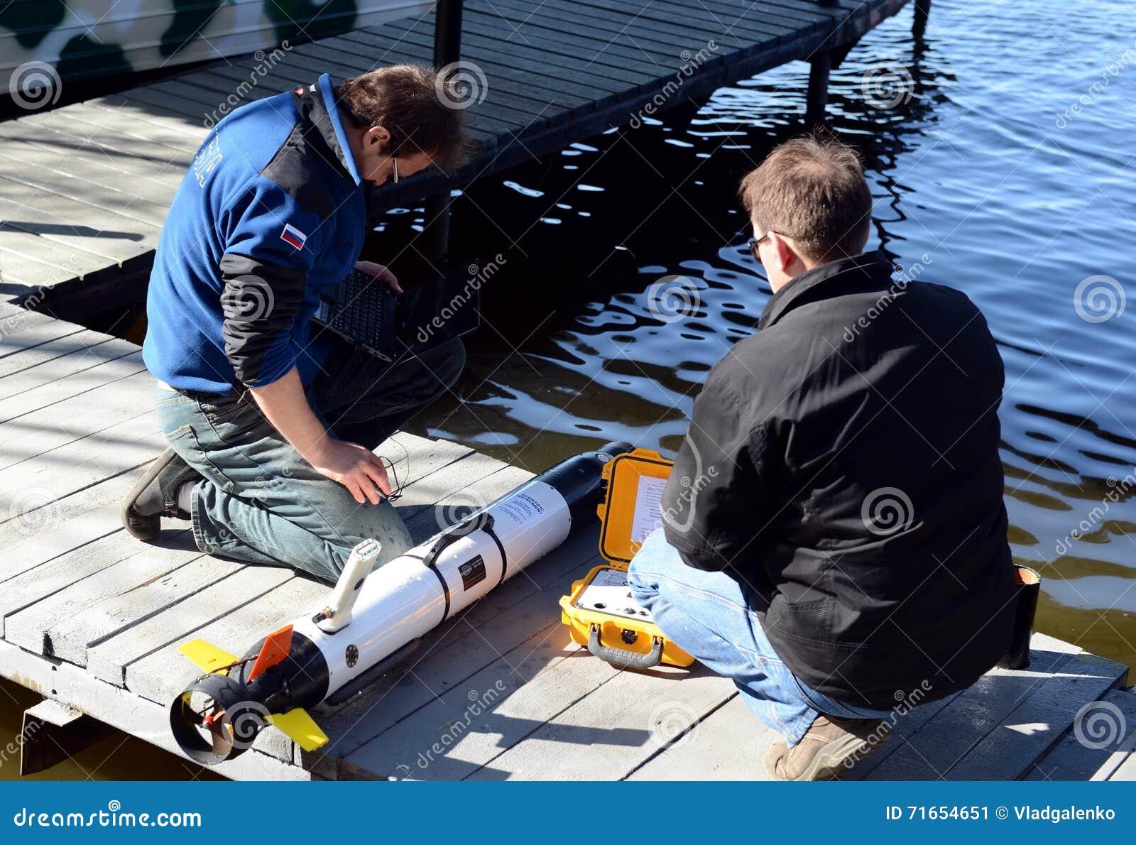 Morscy naukowowie wszczynają Autonomicznych podwodnych bezpilotowych pojazdy