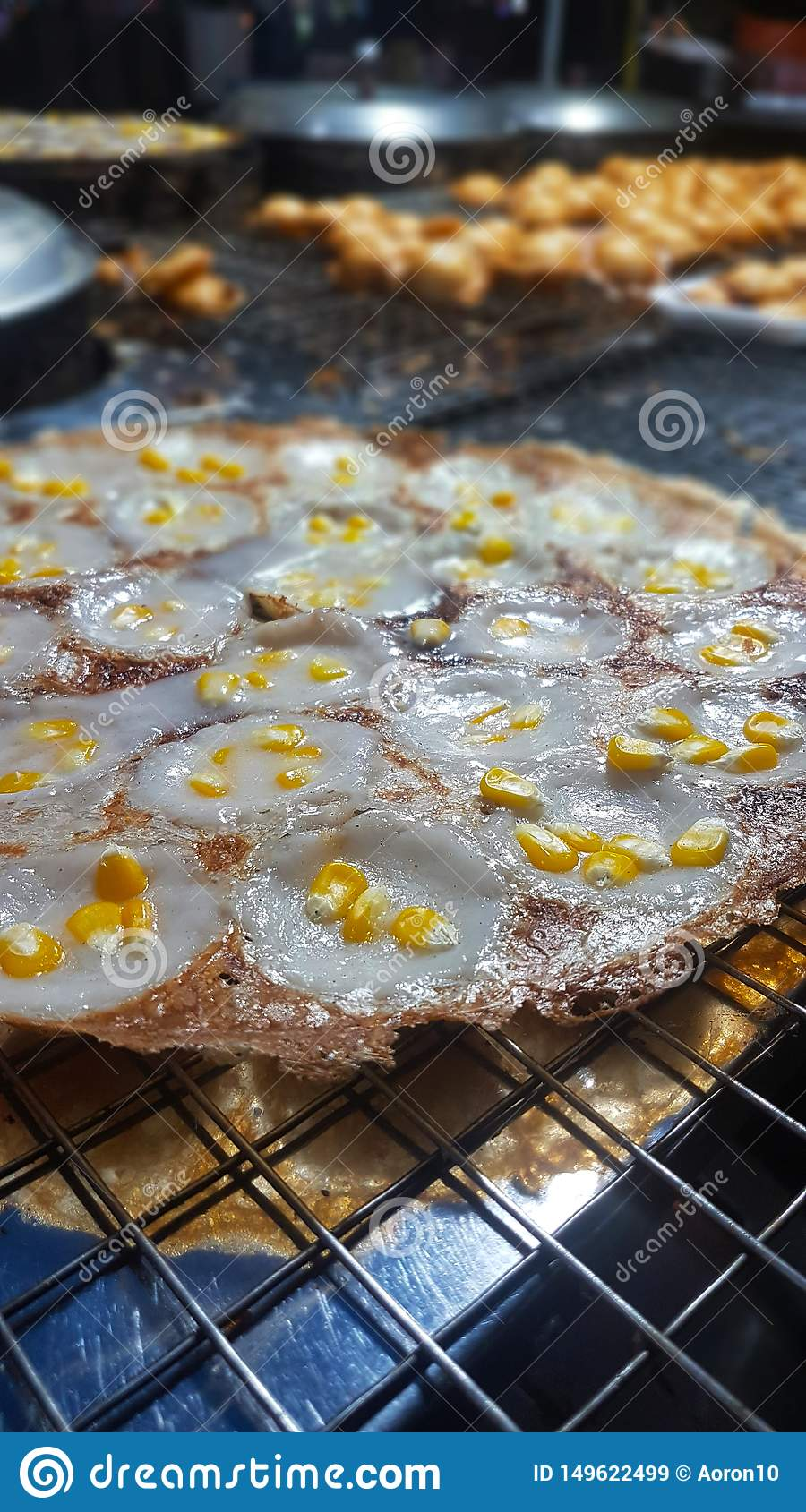 Mortar-toasted pastry with corn on the tray