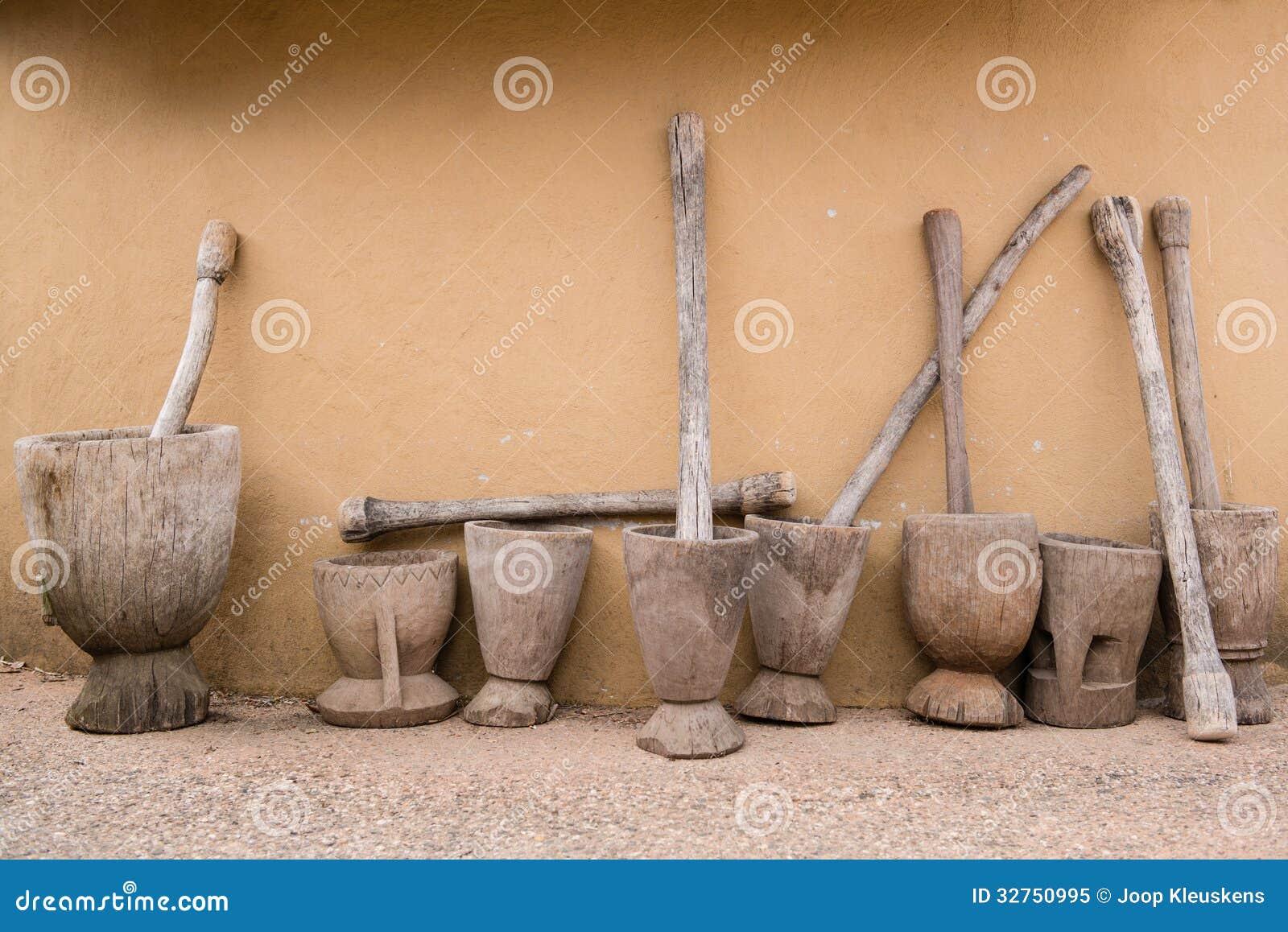 mortier et pilon en bois image stock image du broyeur. Black Bedroom Furniture Sets. Home Design Ideas