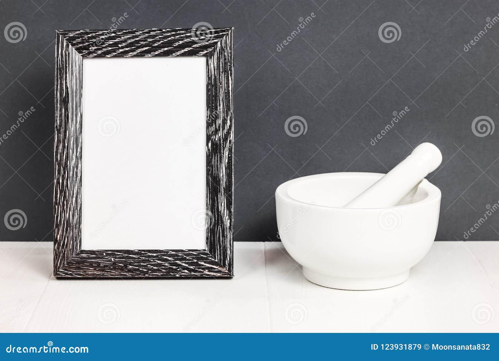 Mortier Wit vaatwerk op lijst Ceramische stijf