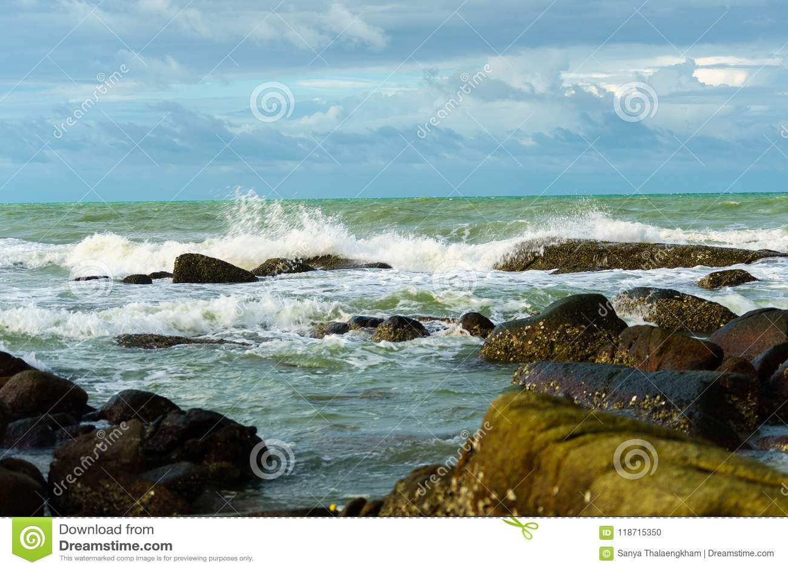 Morze macha silnego przy rayong