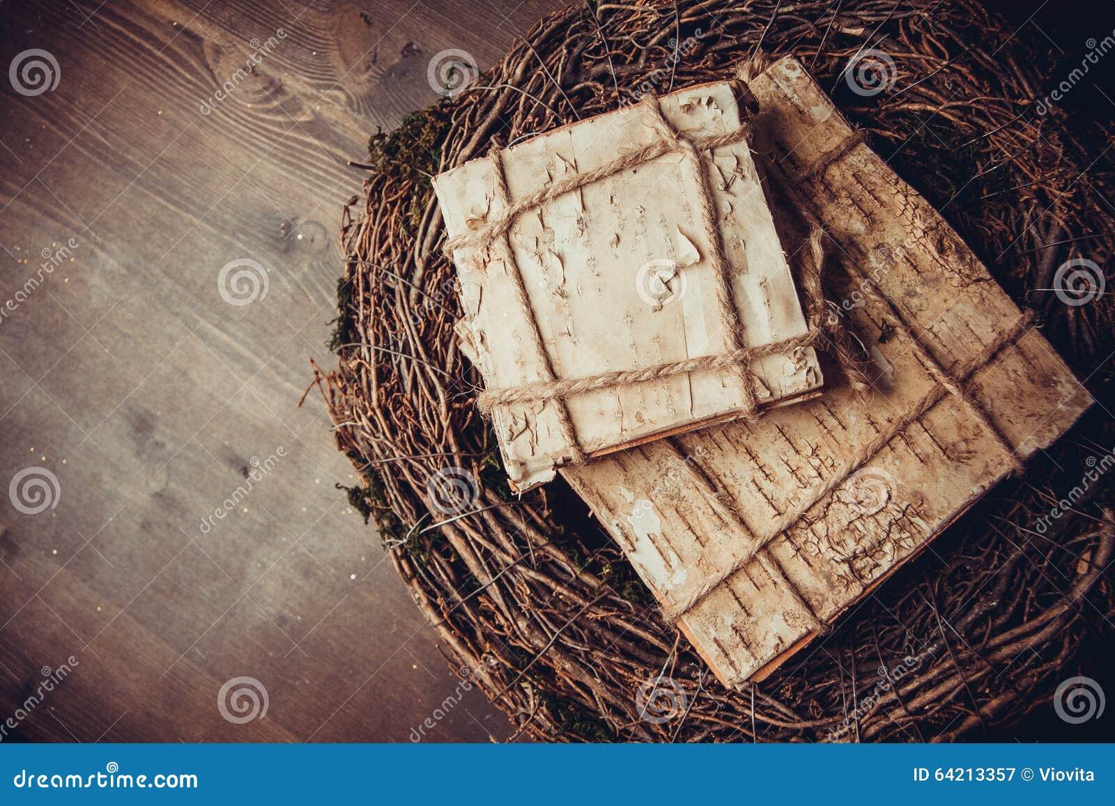 Mos en houten kronen