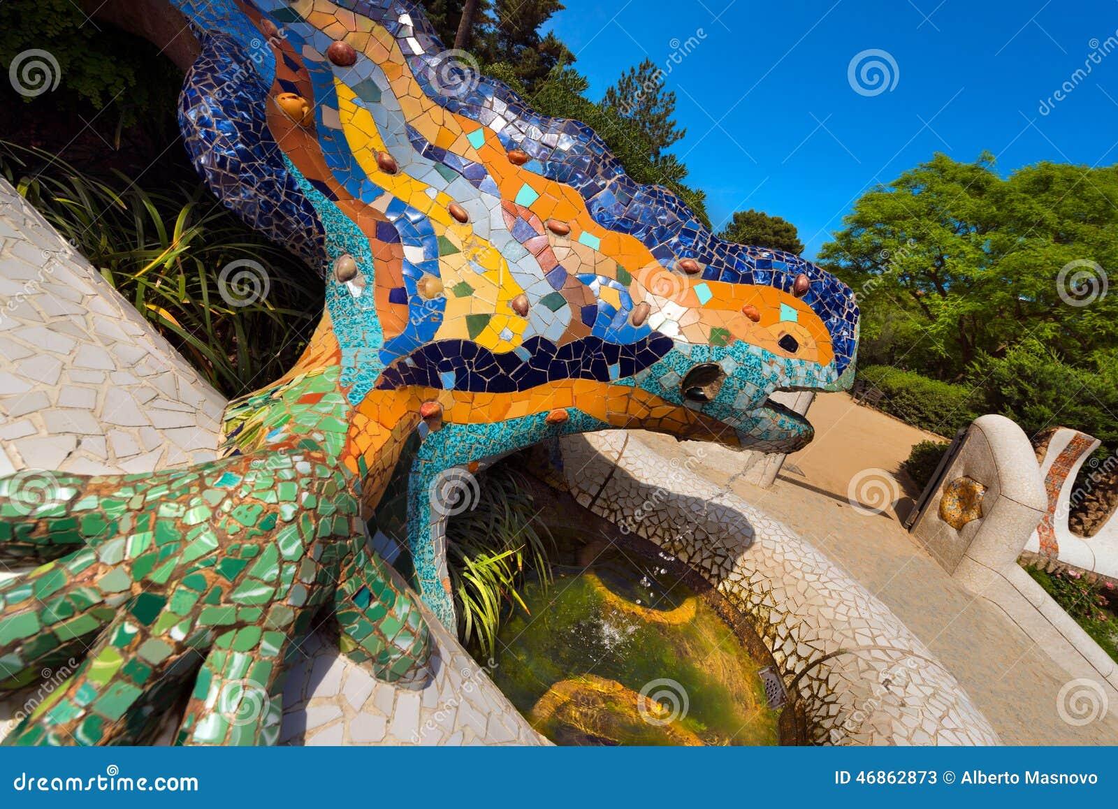 Mosaic salamander park guell barcelona editorial stock for Barcelona jardin gaudi