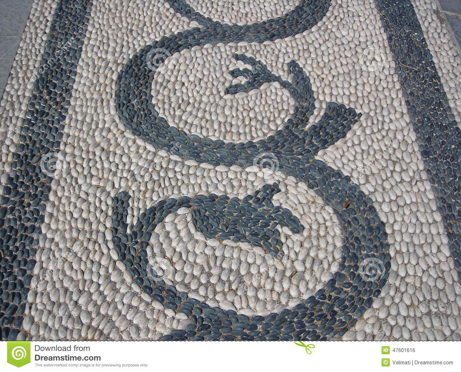Mosaico dei ciottoli fotografia stock immagine 47601616 for Mosaico pavimento