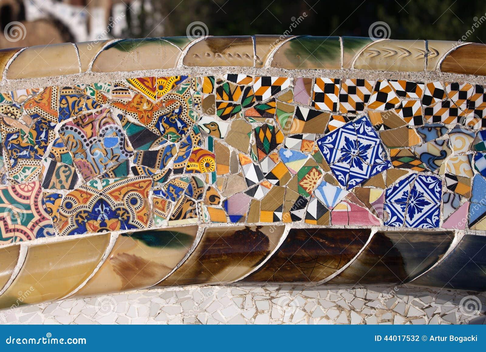 Mosaico Di Trencadis Al Parco Guell Di Gaudi A Barcellona