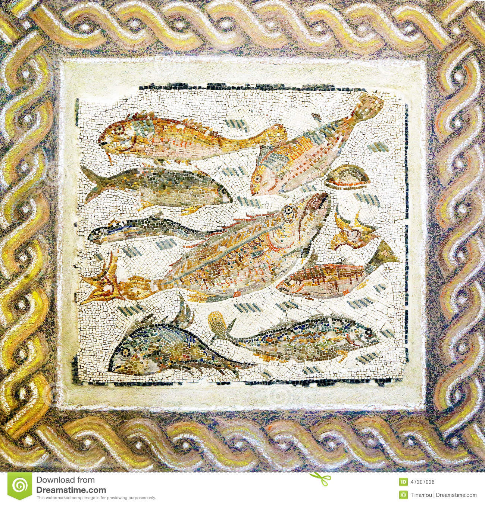 Mosaico romano antigo com peixes diferentes foto de stock for Mosaico romano