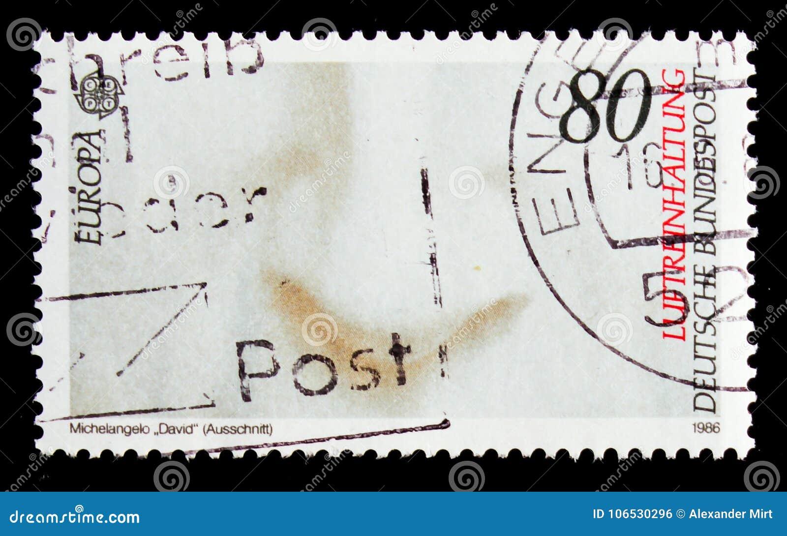 MOSCÚ, RUSIA - 3 DE OCTUBRE DE 2017: Un sello impreso en Alemania FED