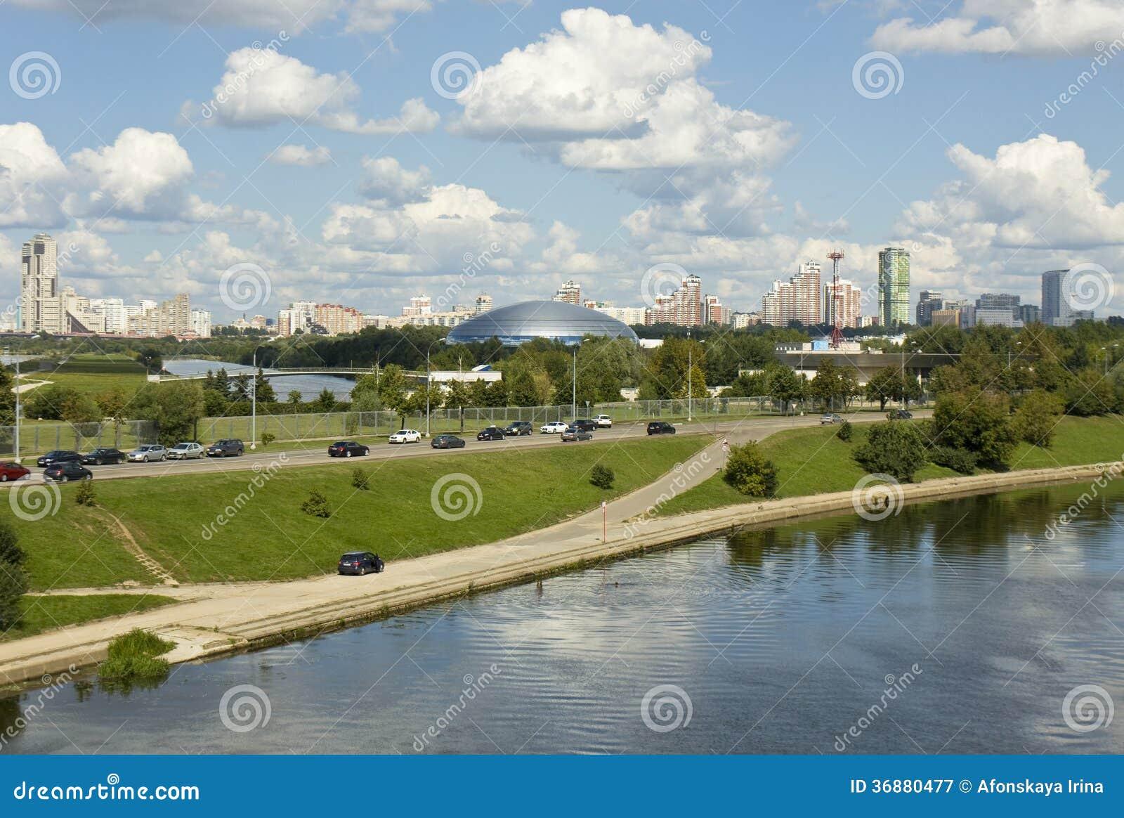 Download Mosca, palazzo di sport fotografia editoriale. Immagine di fiume - 36880477