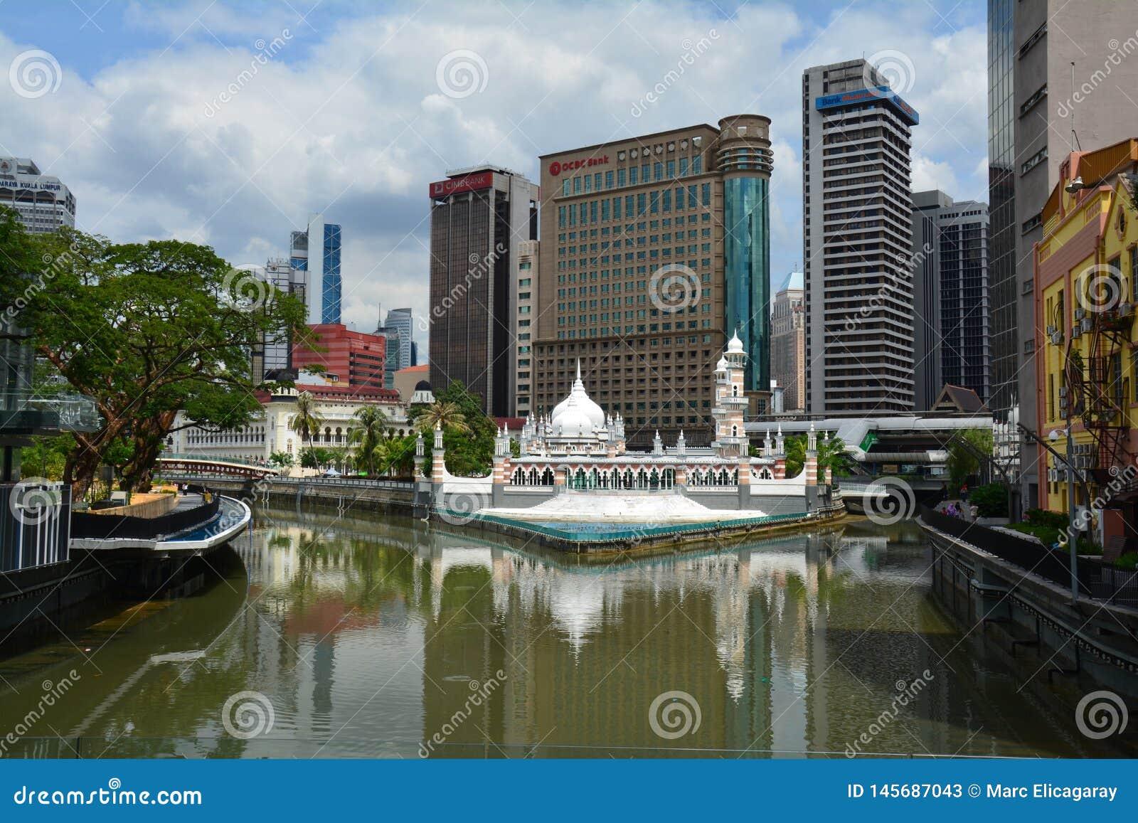 Moschea variopinta in Kuala Lampur Malaysia