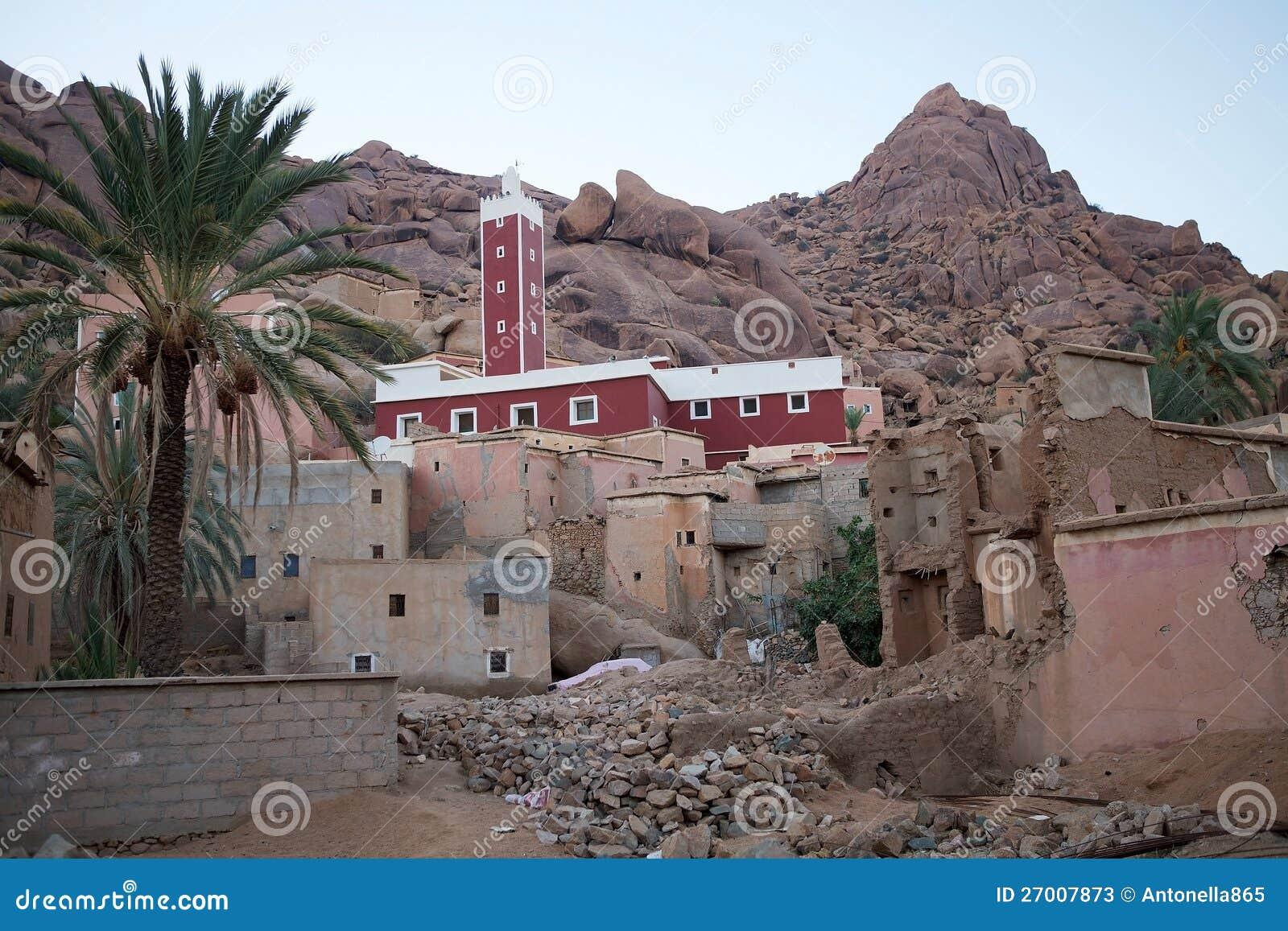 Moschee und Dorf