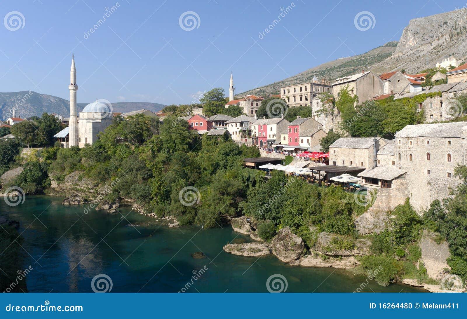 moschee und systeme in mostar bosnien herzegowina redaktionelles bild bild 16264480. Black Bedroom Furniture Sets. Home Design Ideas