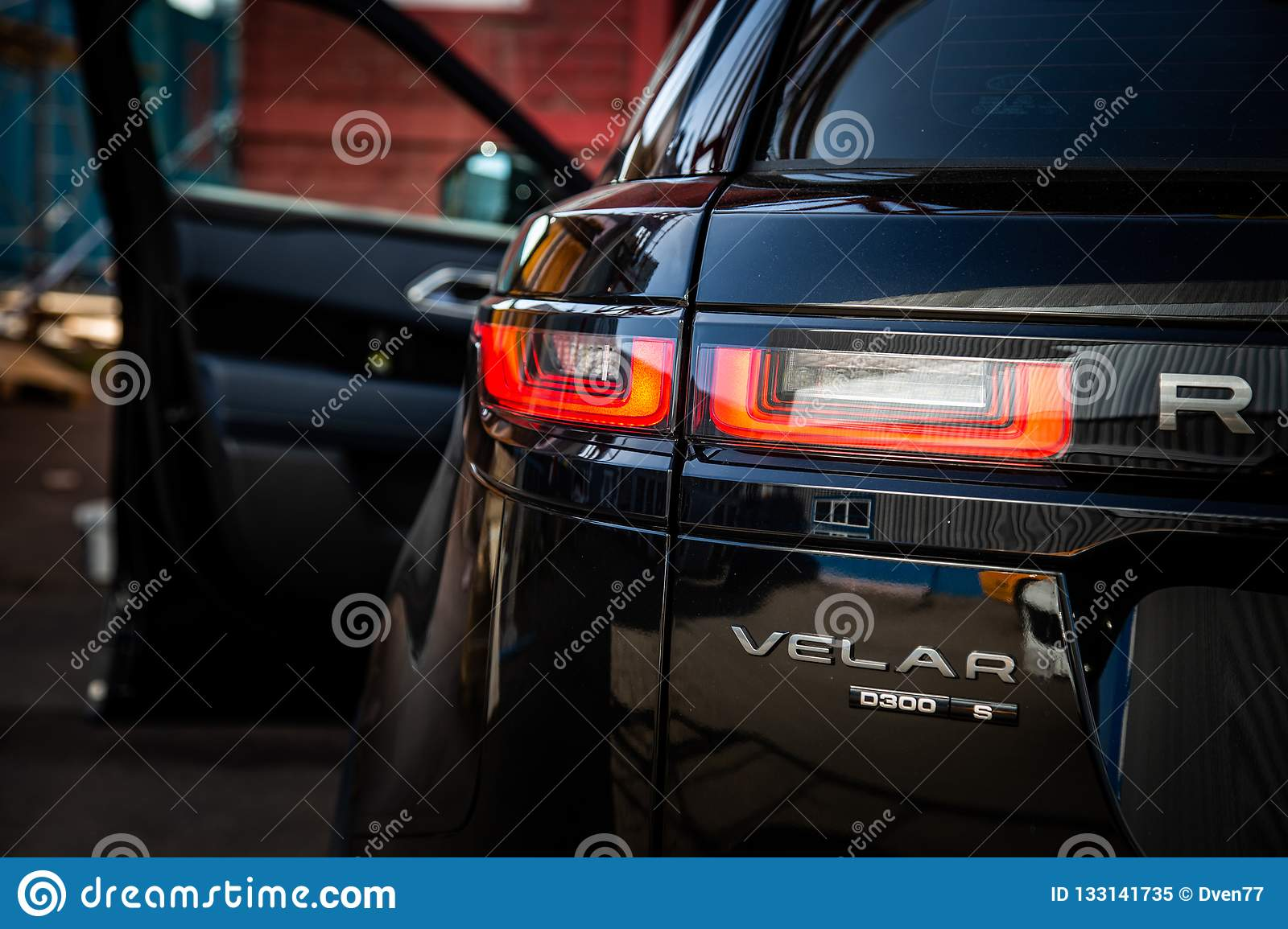 Moscow Autumn 2018 The Land Rover Range Rover Velar In Black C Editorial Image Image Of Light Land 133141735
