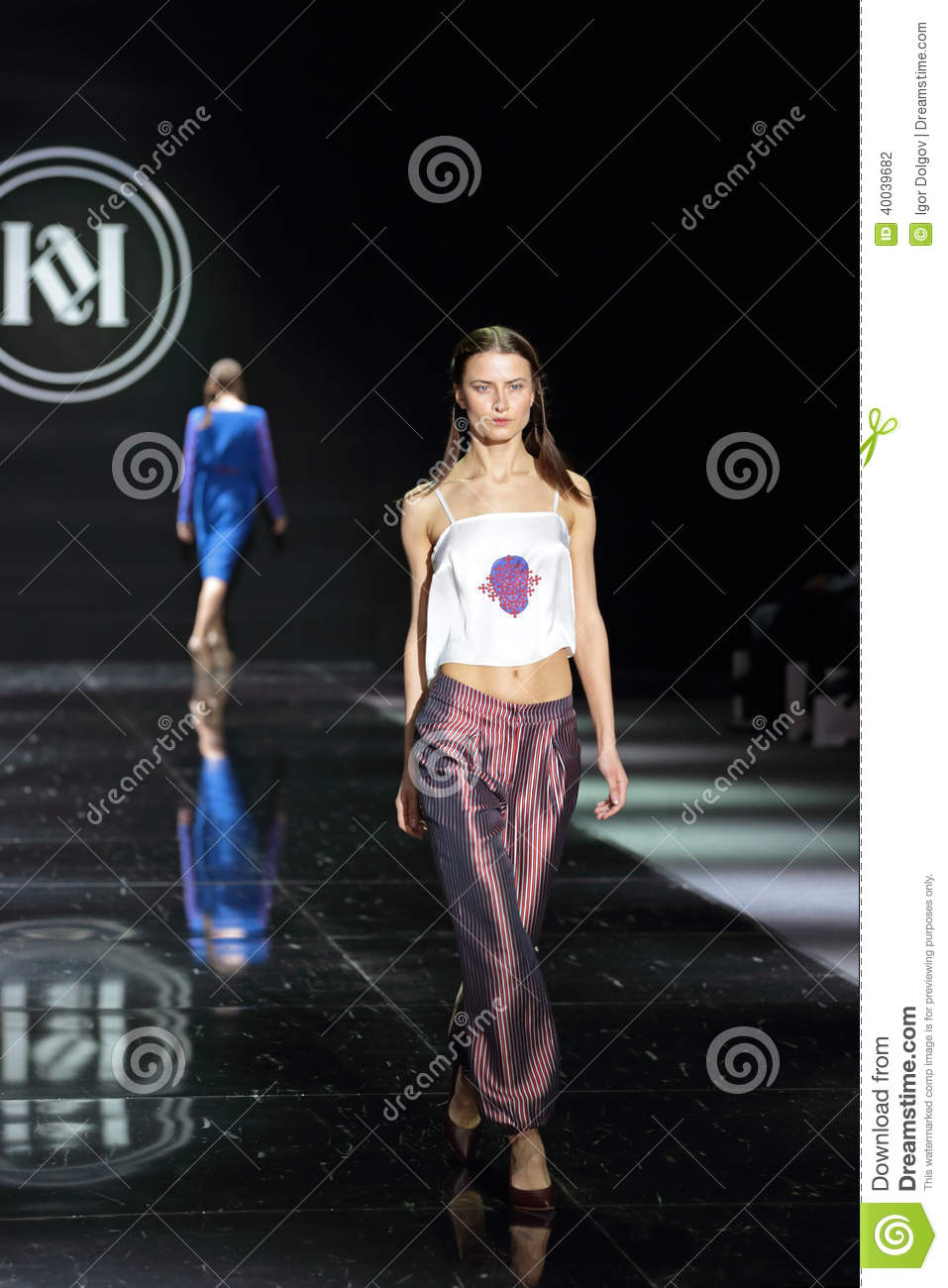 Moscow Fashion Week Editorial Photography Image 40039682