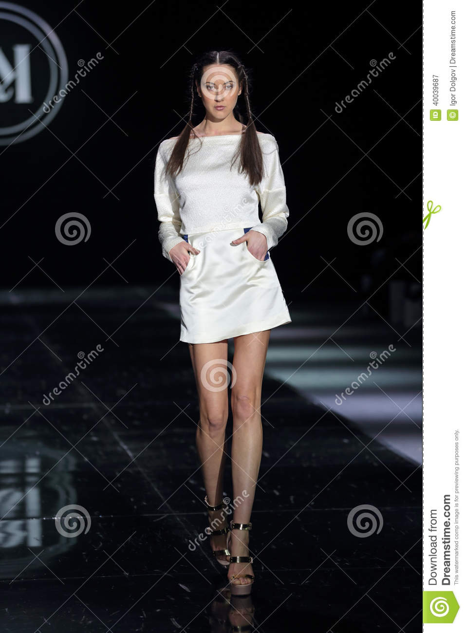 Moscow Fashion Week Editorial Photography Image 40039687