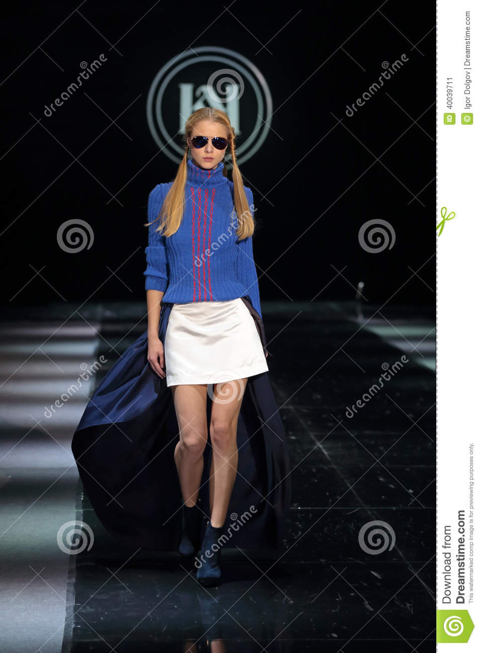Moscow Fashion Week Editorial Photo Image 40039711
