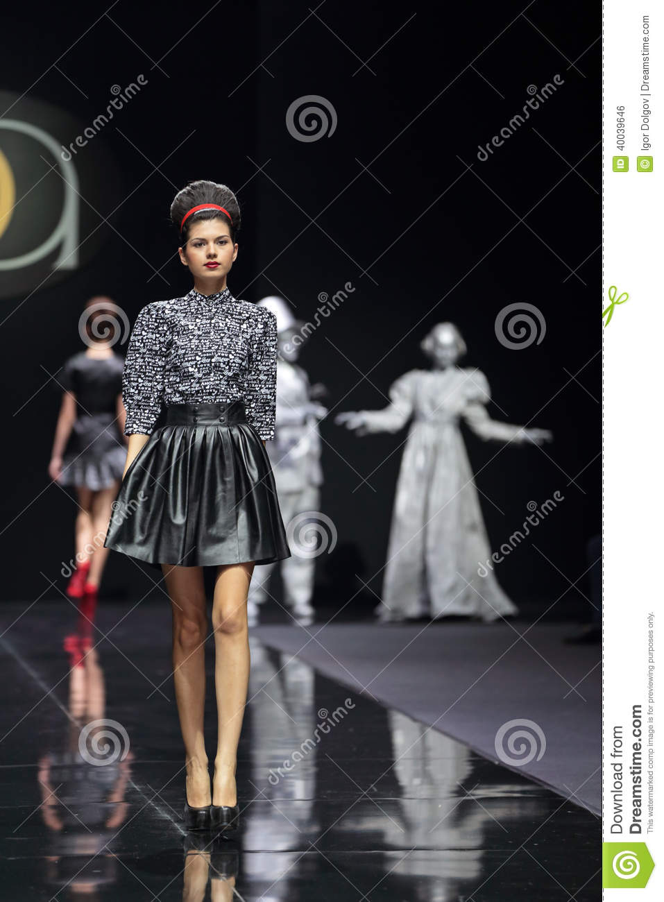 Moscow Fashion Week Editorial Photo Image 40039646