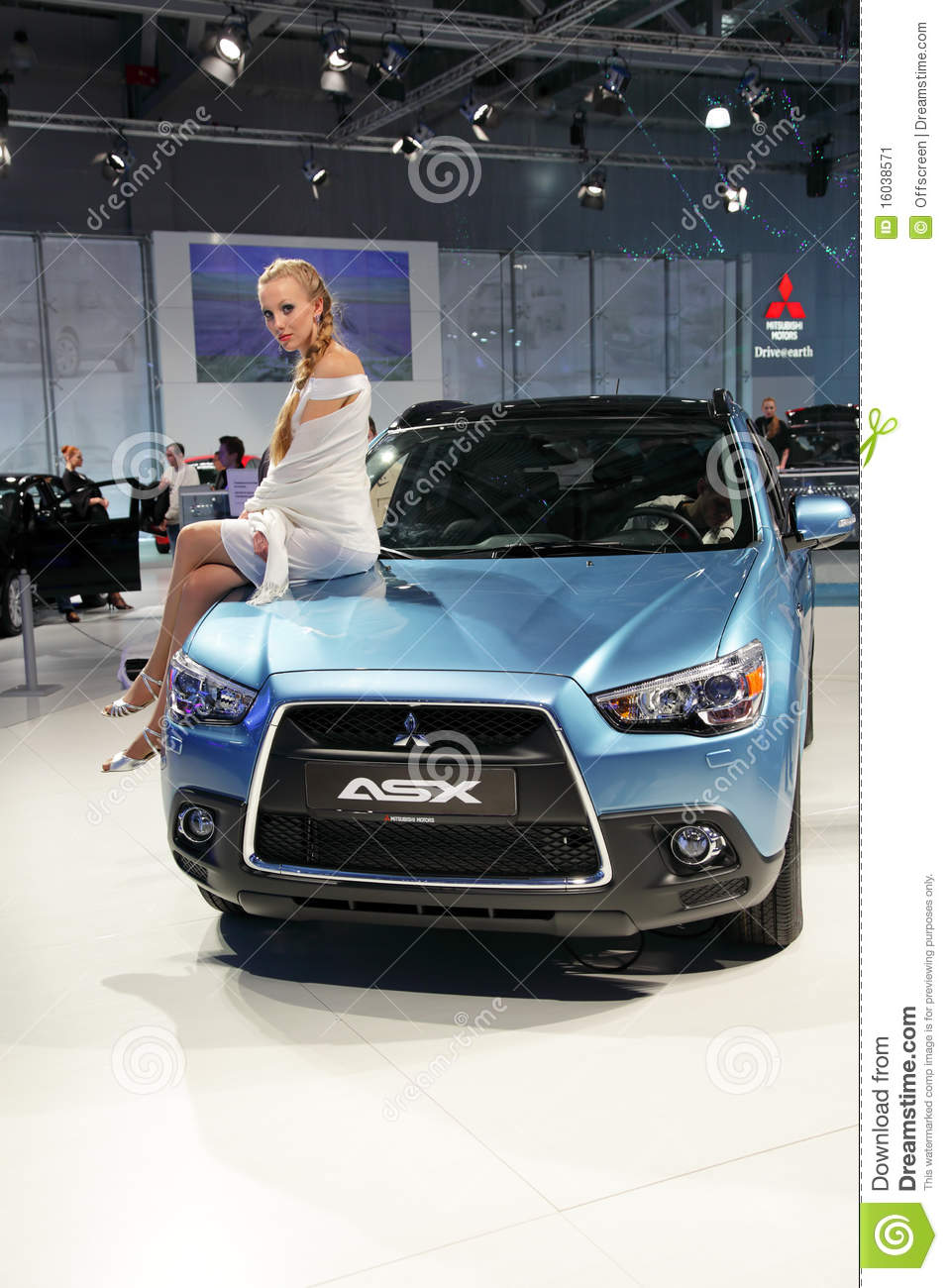 Moscow sep 5 mitsubishi asx moscow international motor show 2010