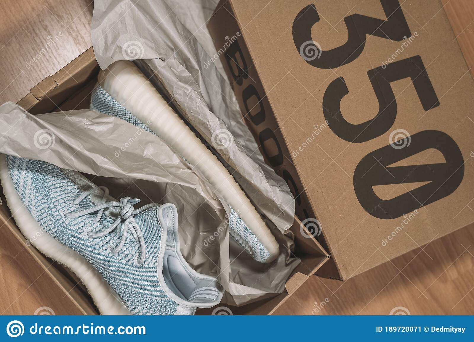 Cerebro Mierda volverse loco  Moscow, Russia - June 2020 : Adidas Yeezy Boost 350 V2 - Famous Limited  Collection Fashion Sneakers By Kanye West And Editorial Photo - Image of  hype, casual: 189720071