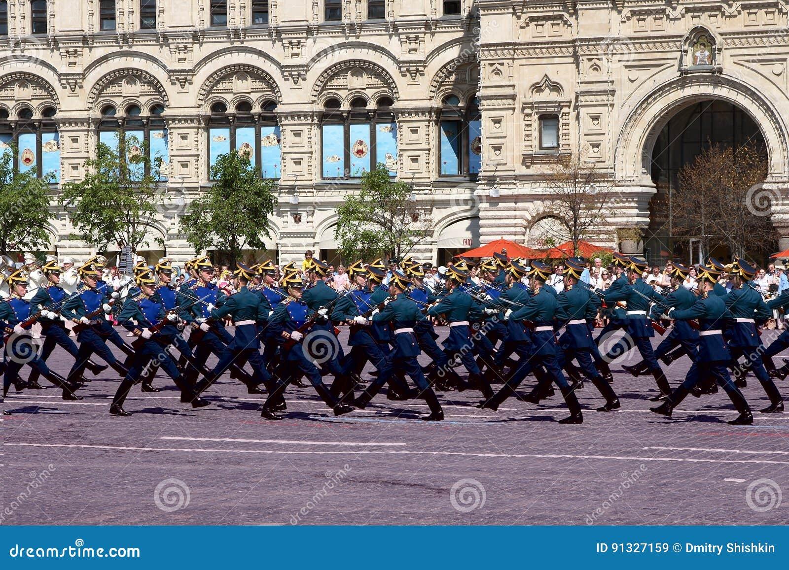 Moskau, Russland, kann 26, 2007 Russische Szene: scheiden Sie Pferdeschutz im Moskau der Kreml auf dem roten Quadrat