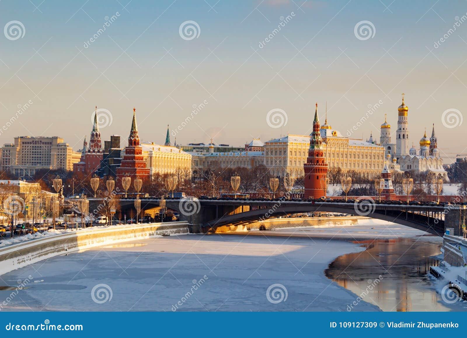 Moskou, Rusland - Februari 01, 2018: Moskou het Kremlin op een zonnige de winterochtend De winter van Moskou