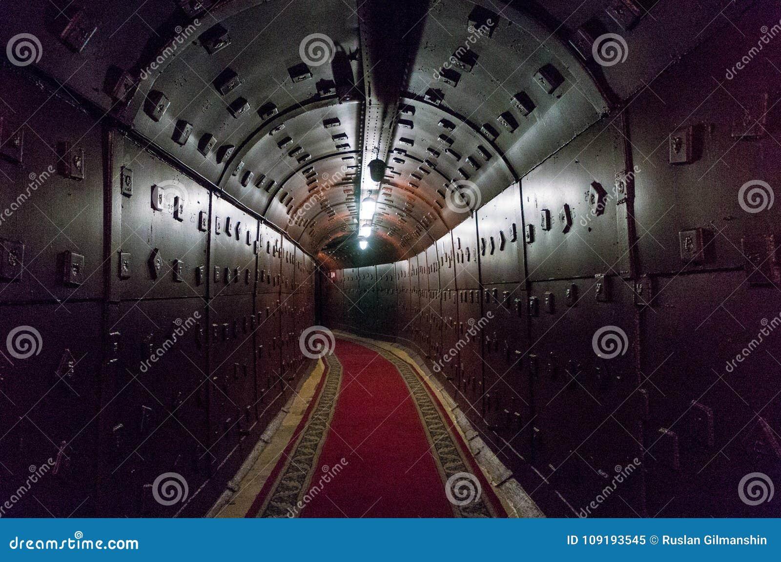 Moskva Ryssland - Oktober 25, 2017: Gräva på Bunker-42, denkärn- underjordiska lättheten som byggs i 1956 som kommandostolpen
