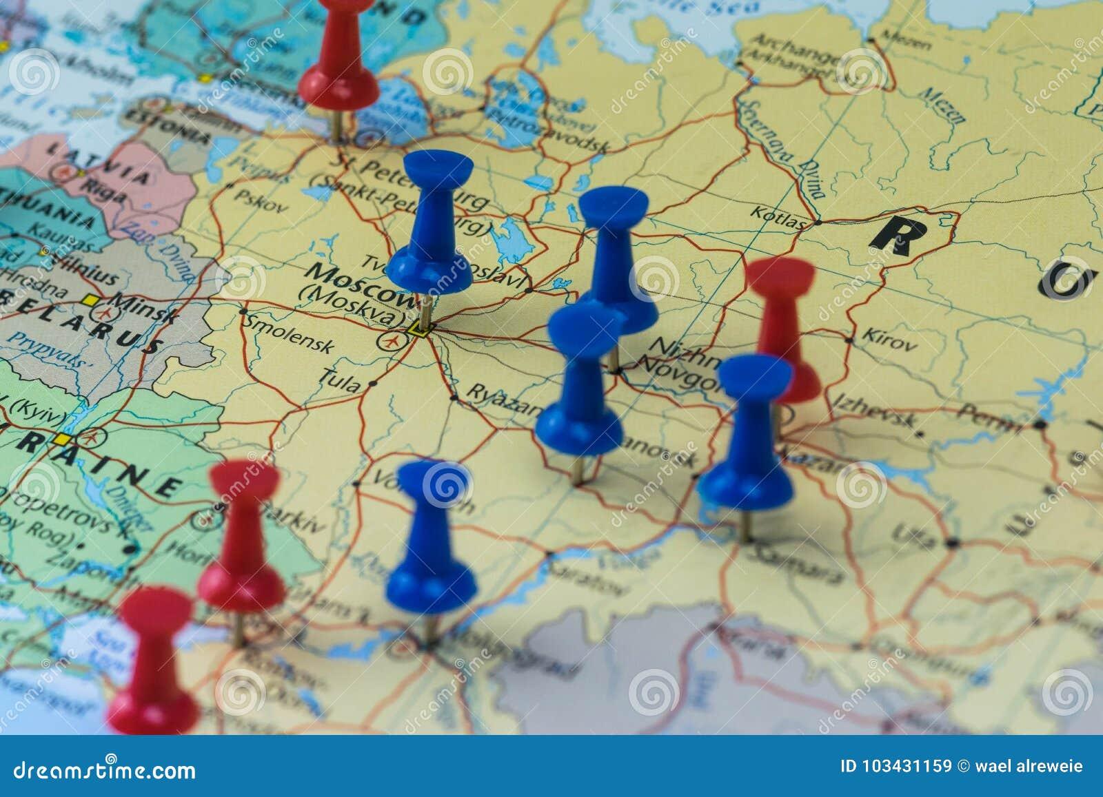 Moskwa Przyczepiał z innymi pucharu świata miejsca wydarzenia miastami w zbliżenie mapie dla futbolowego pucharu świata 2018 w Ro