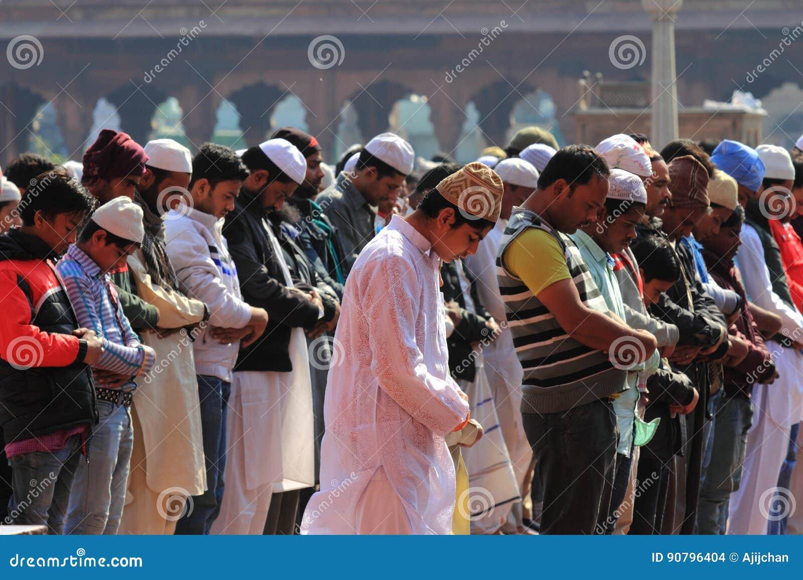 Moslemische eifrige Anhänger