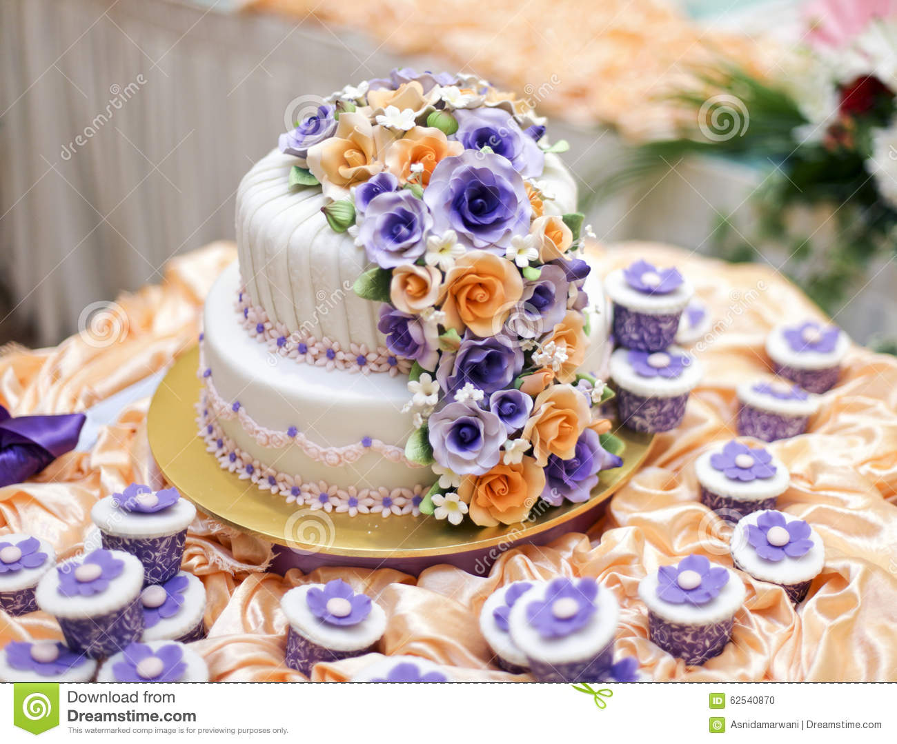 Free Beautiful Cake Images : The Most Beautiful Cake For Solemnization Event.shallow ...