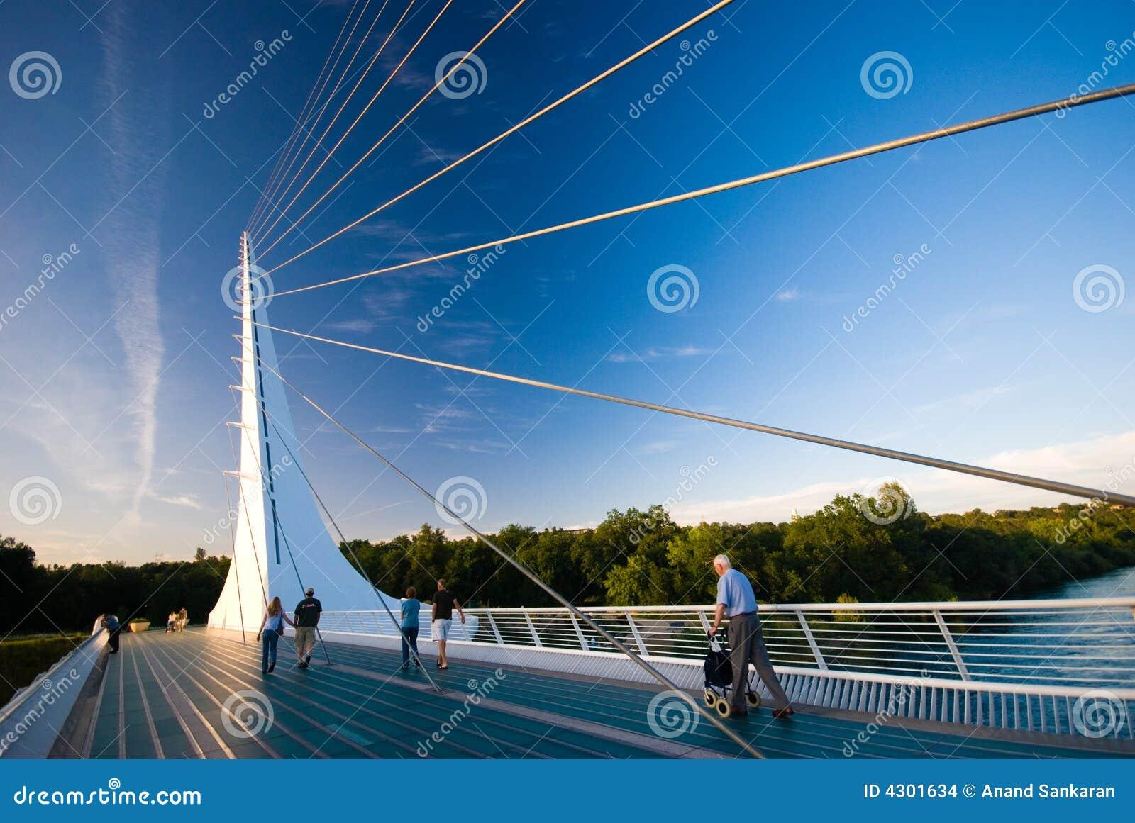 Most Kalifornijskie zegar słoneczny redding