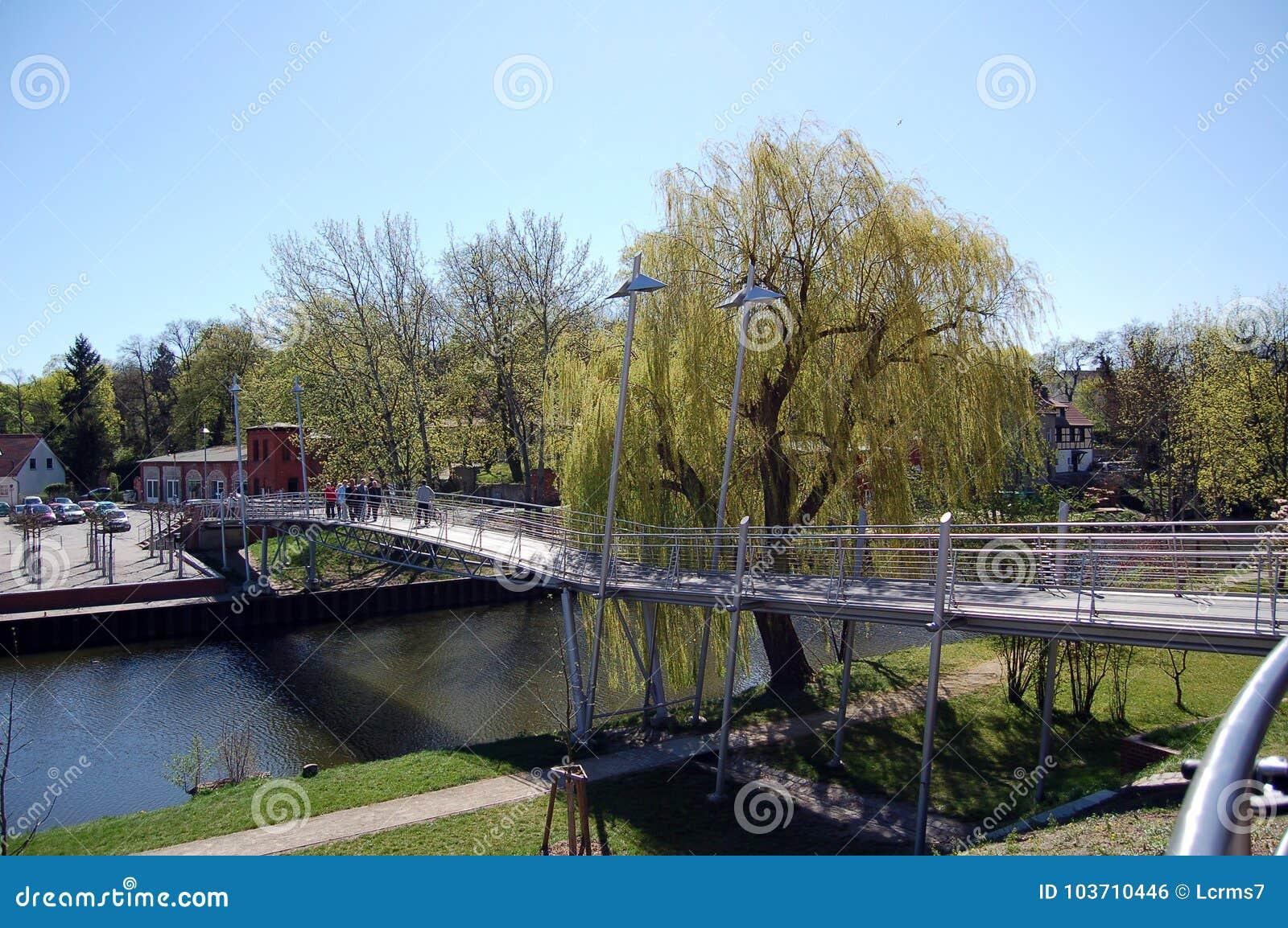 Most nad Havel rzeką w Rathenow Niemcy