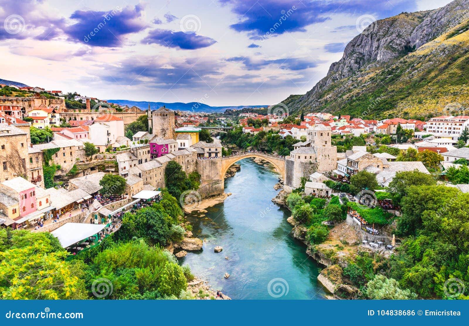 Mostar Stari mest bro i Bosnien och Hercegovina
