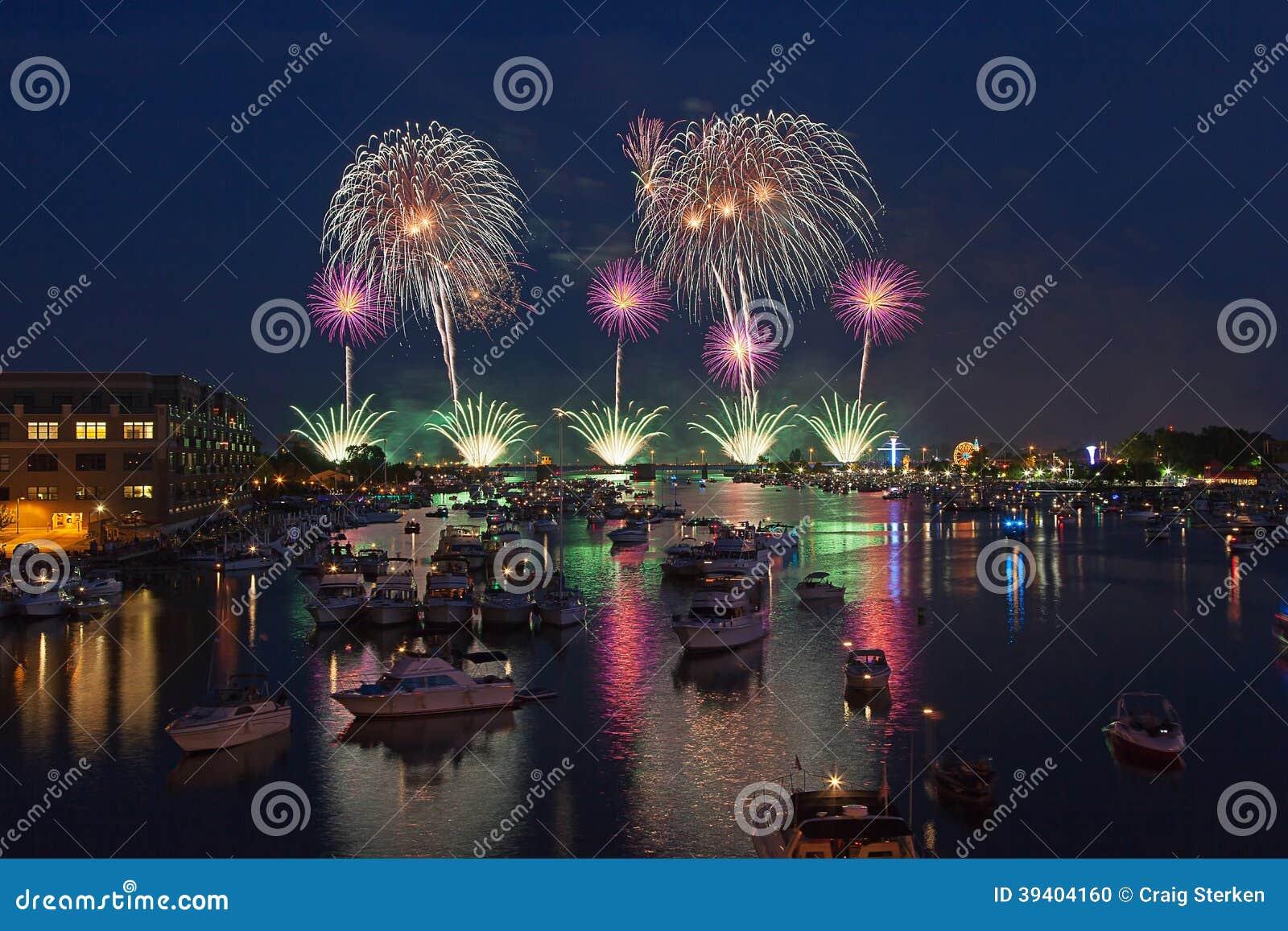 Mostra dos fogos-de-artifício de Bay City - Dia da Independência