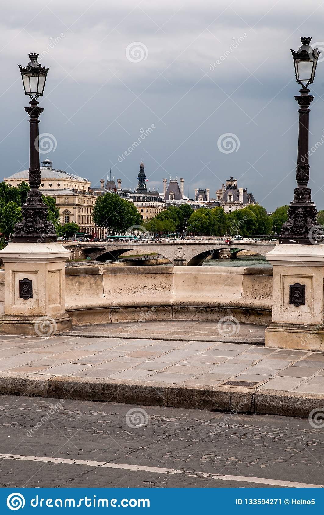 Mosty w Paryż
