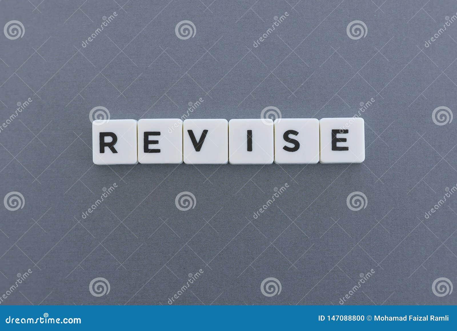 Mot d épreuve de révision fait en mot carré de lettre sur le fond gris