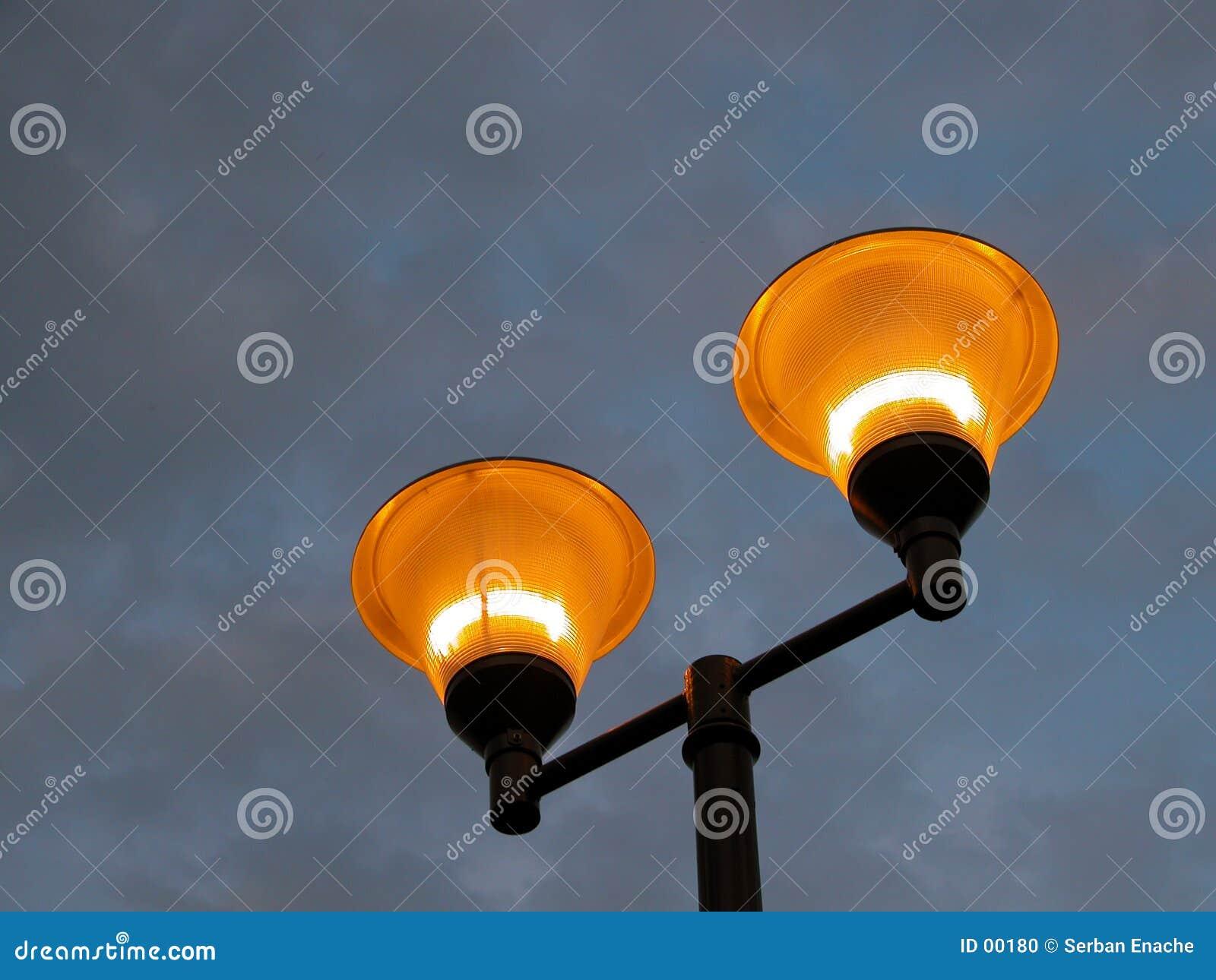 Mot illuminating den stormiga polskyen
