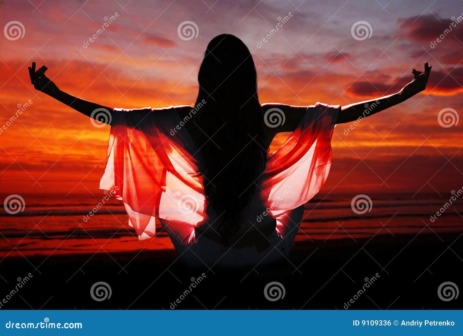 Mot meditationhavkvinna