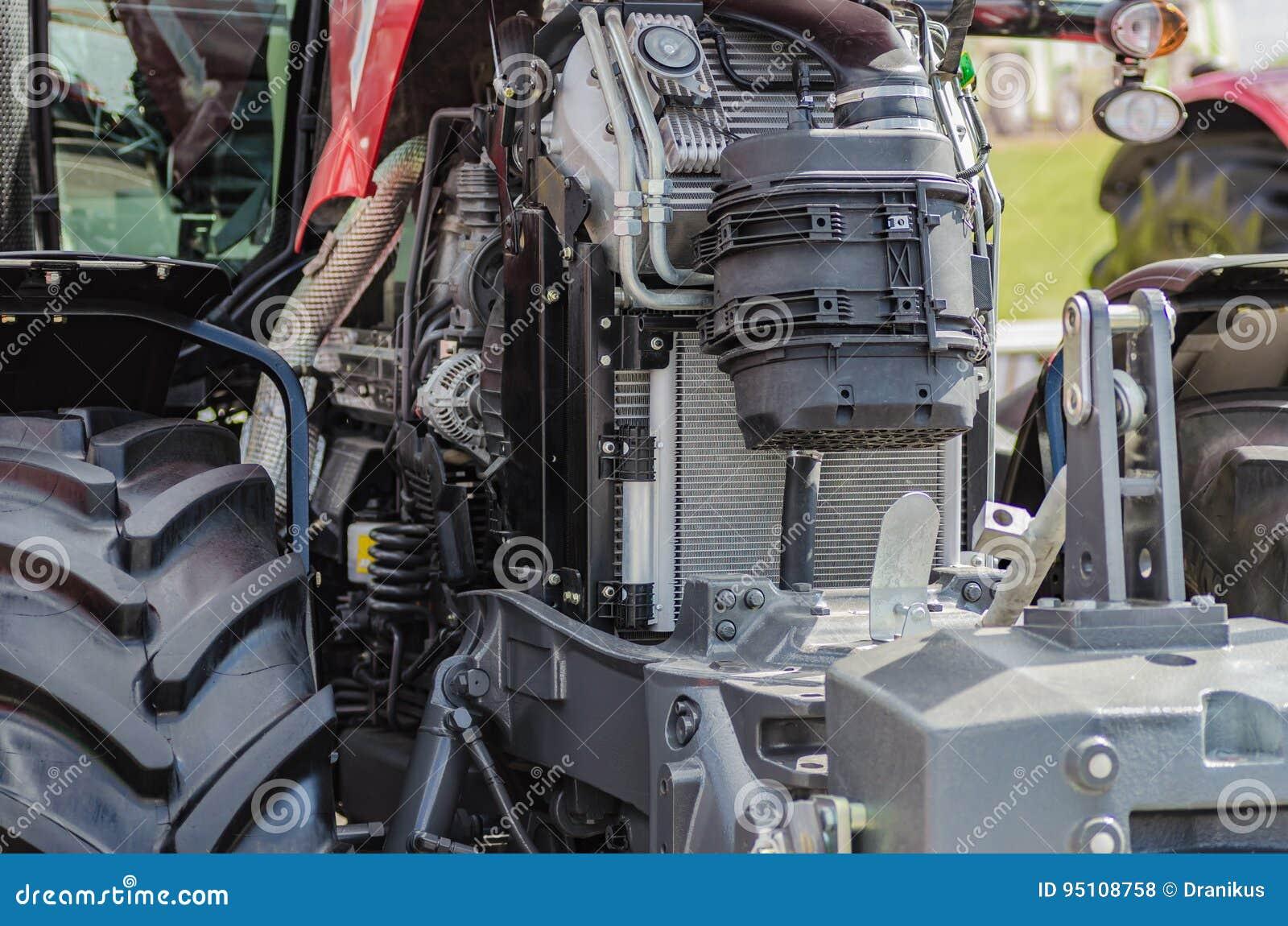 Moteur tracteur de pointe puissant dans la conception moderne