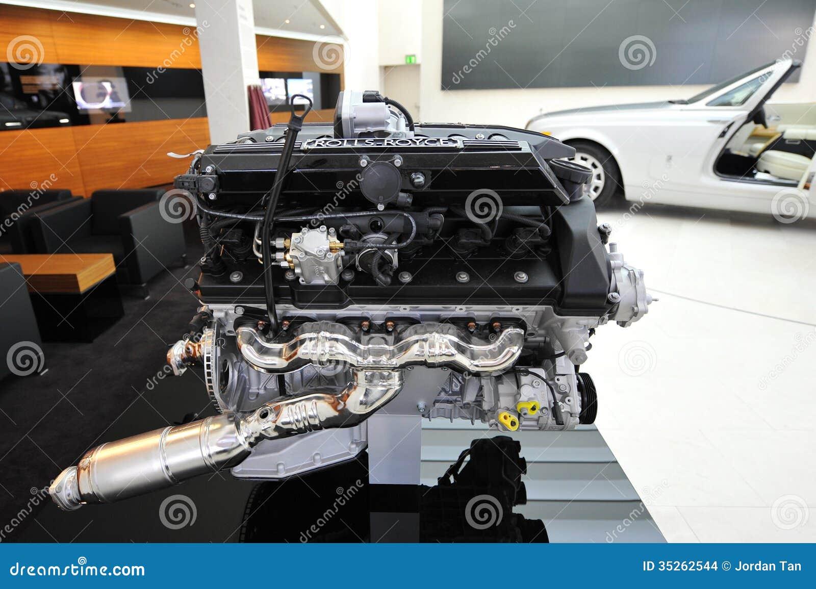 moteur v12 de rolls royce phantom drophead coupe sur l 39 affichage dans la tr pointe de bmw image. Black Bedroom Furniture Sets. Home Design Ideas