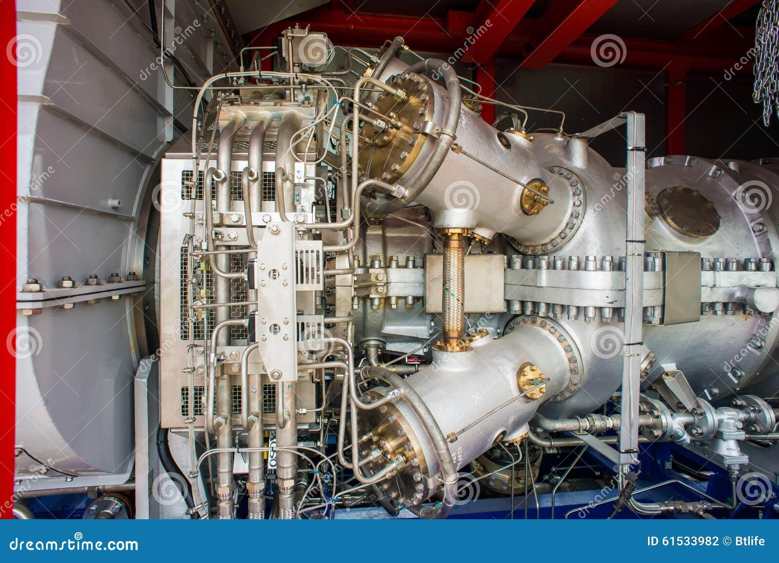 Moteurs à gaz naturels à la centrale de production combinée