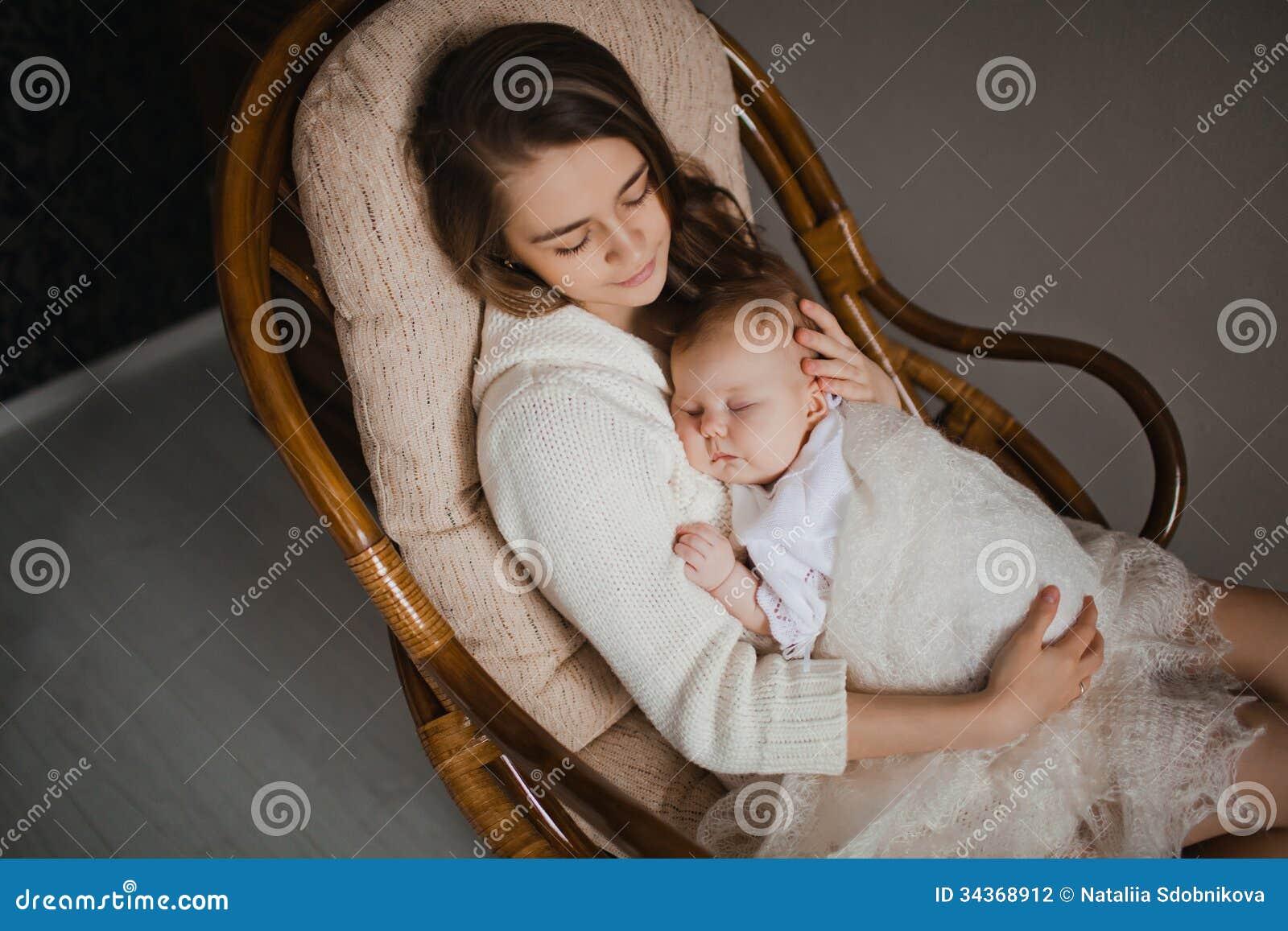Стульчик мать и сын 18 фотография