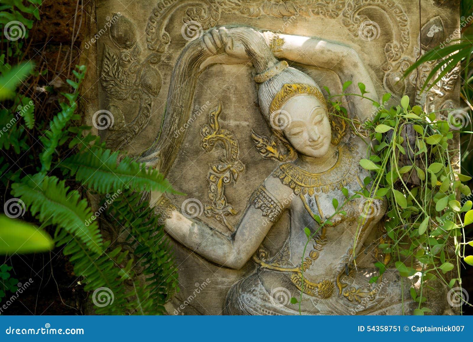 Un mondo nuovo. Mother-earth-statue-garden-decoration-staff-which-beautiful-peace-54358751