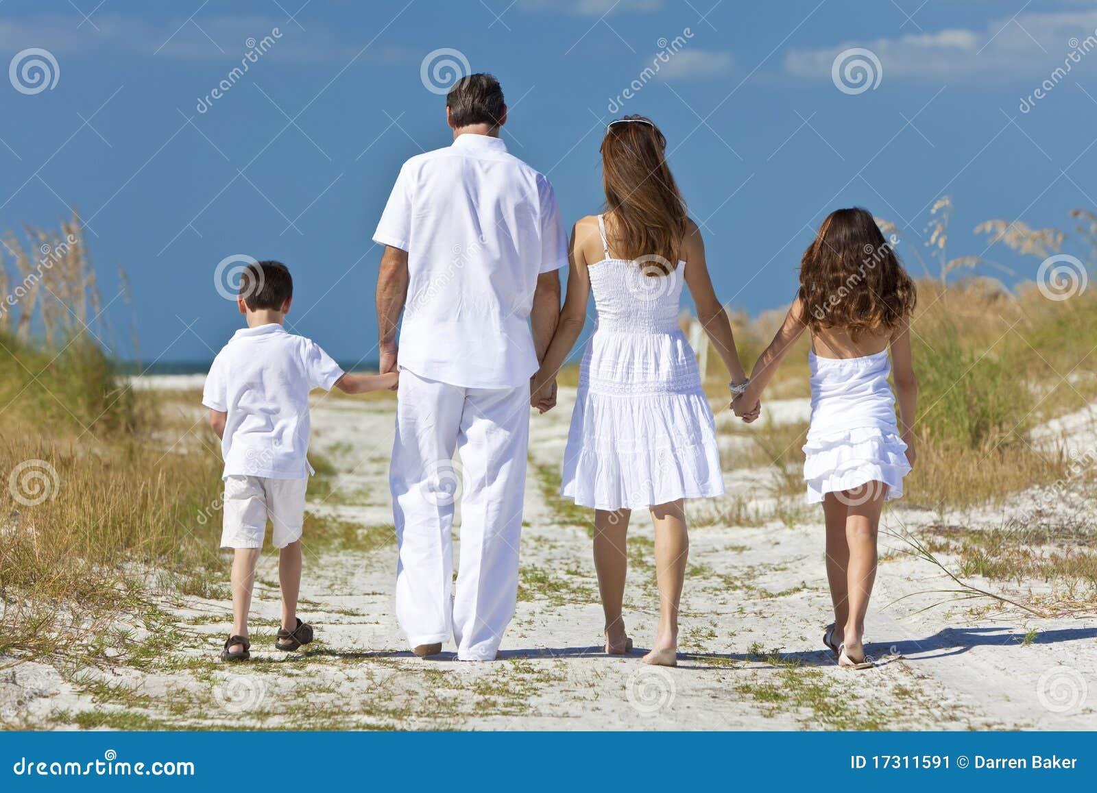 Сын с мамой а папа с дочькой 4 фотография