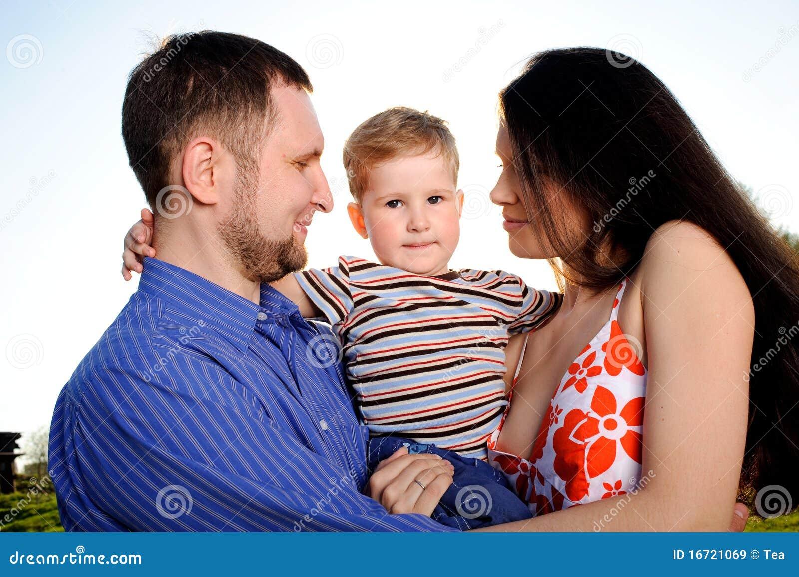 Друг сына ебёт мать в колготках