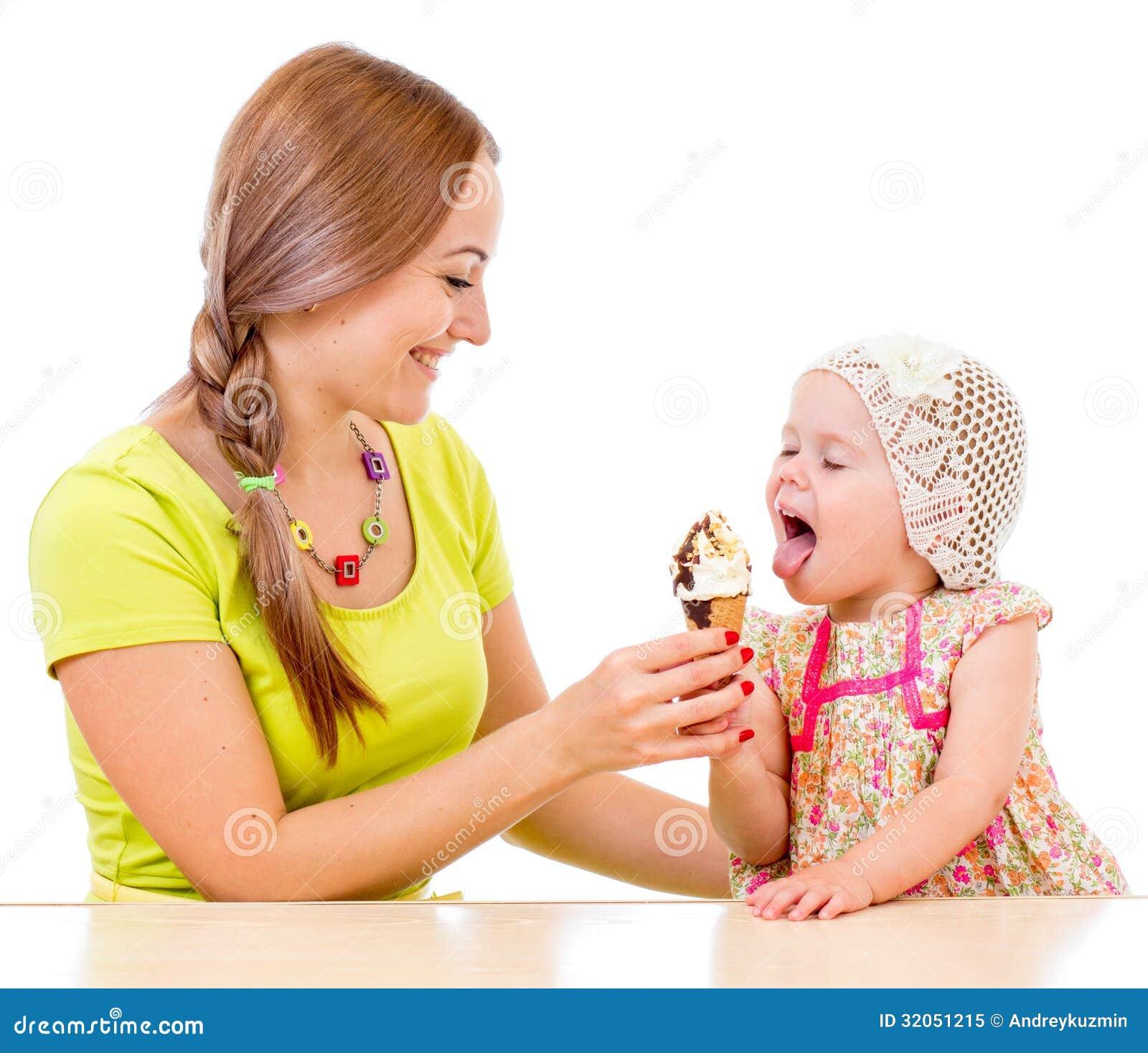 С маленькой девочкой 20 фотография