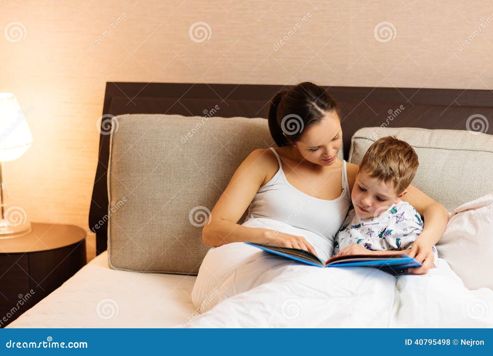 Сын имать в одной постели 19 фотография