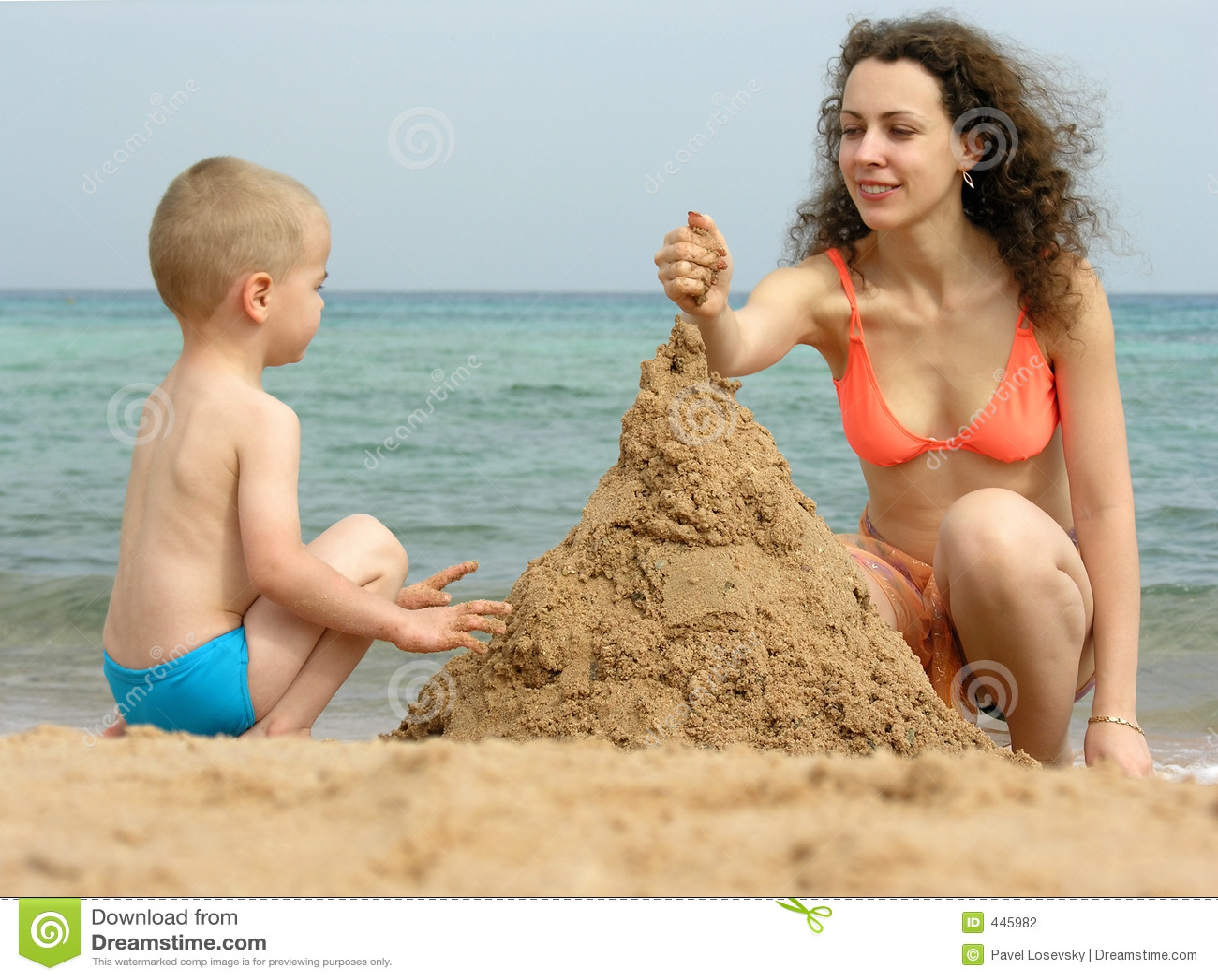 Сын и мать на пляже рассказ 5 фотография