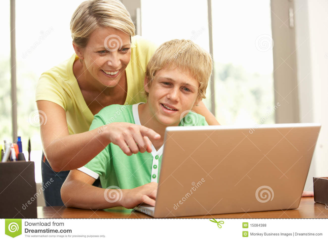 teenage son and mother healthy relationship
