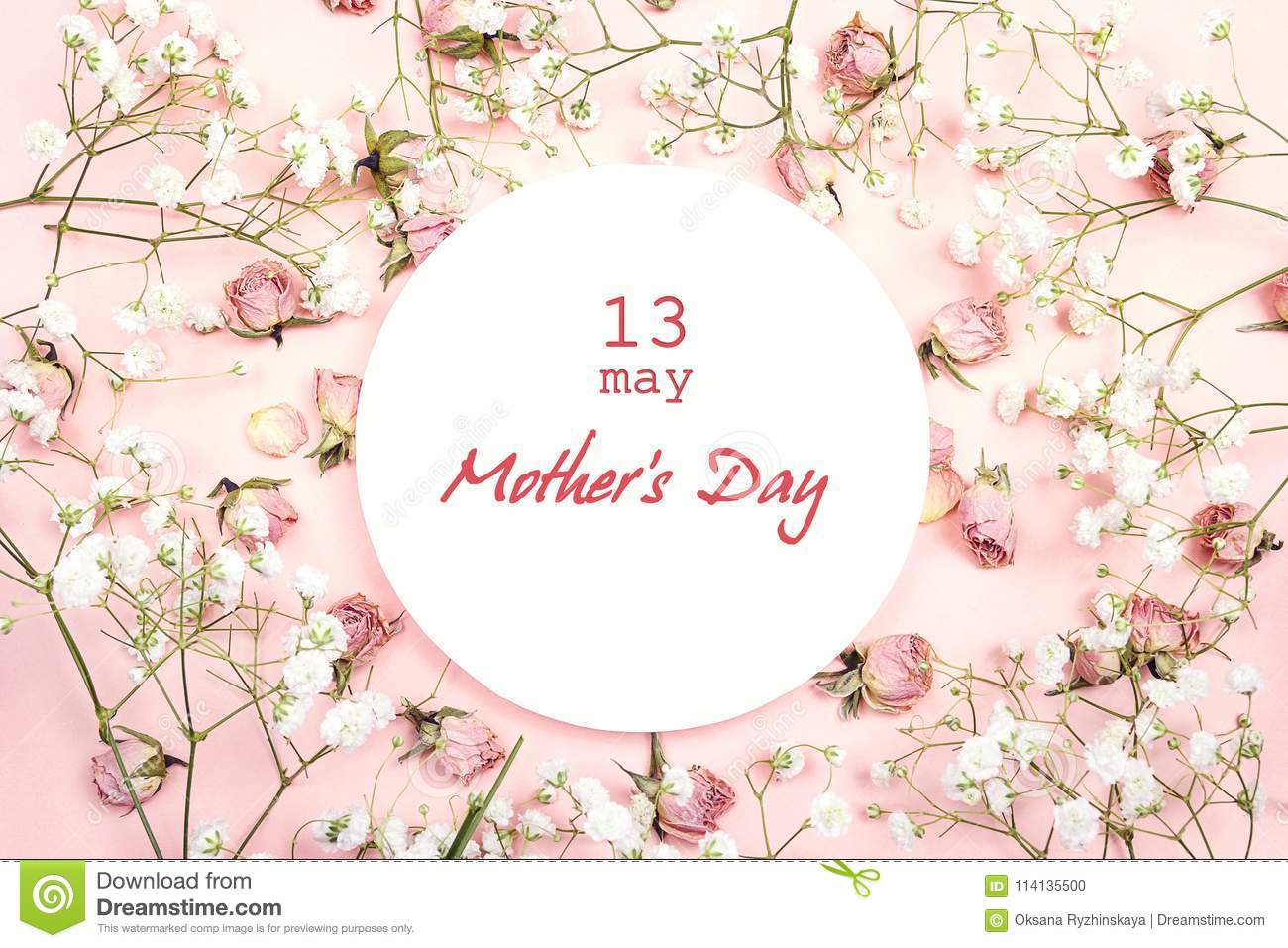 Mothers Day greeting message with white flowers and roses on pi