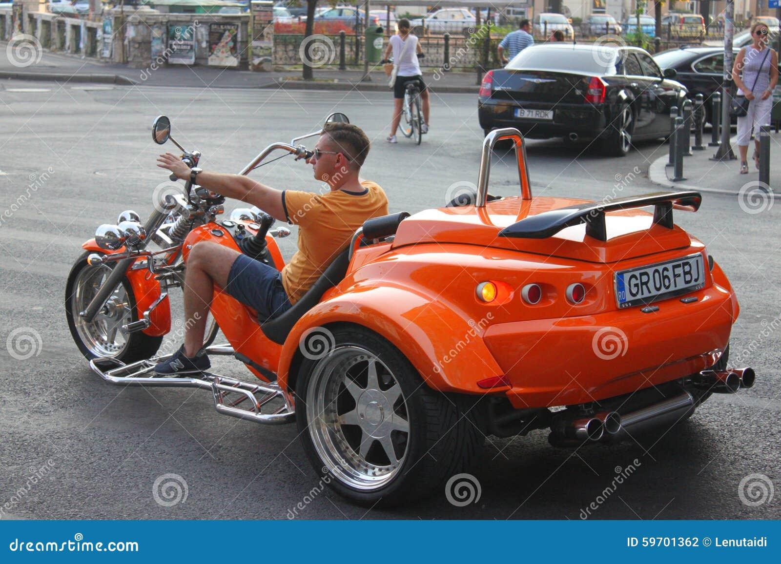 moto trois roues photographie ditorial image du vitesse 59701362. Black Bedroom Furniture Sets. Home Design Ideas